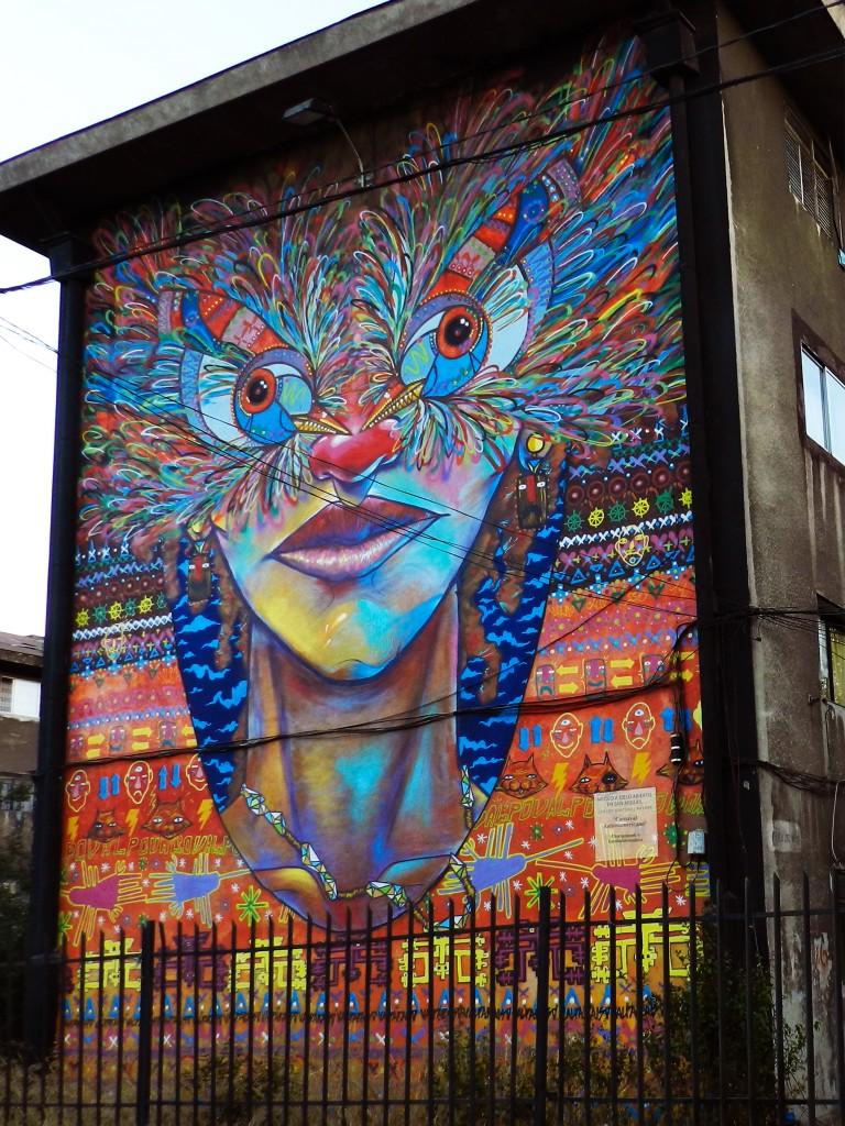 Carnaval latinoamericano museo a cielo abierto en san miguel for Mural metro u de chile