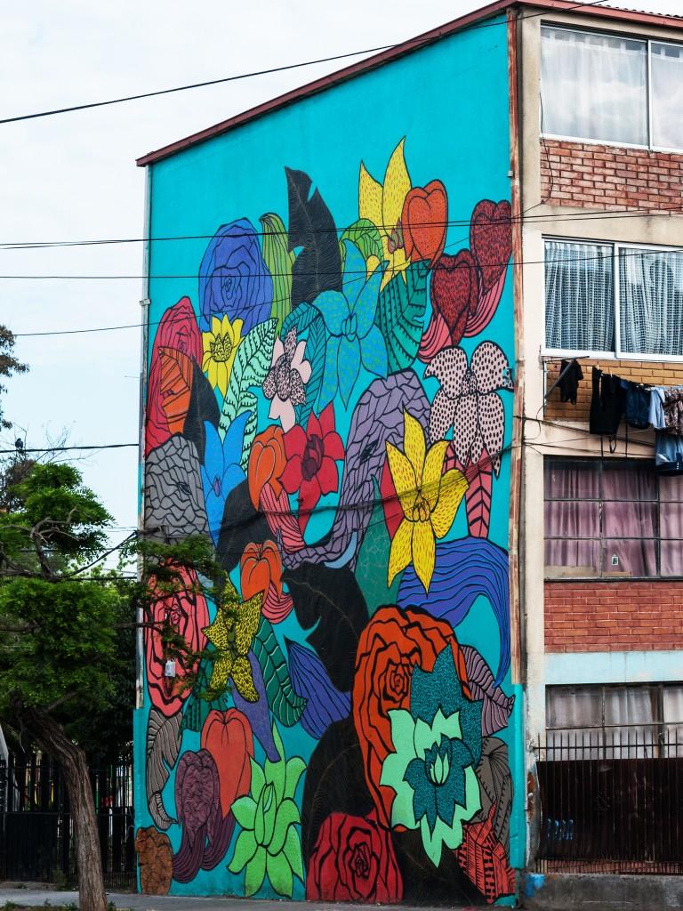 Murales museo a cielo abierto en san miguel for Mural metro u de chile